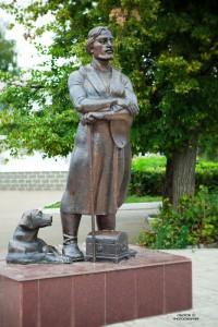 tn_Памятник бирскому купцу